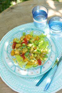 salade-de-poulet-au-curry-avocat-et-legumes-croquants-curried-chicken-salad-with-fresh-vegetables-le-vitaliseur-vanessa-romano-photographe-et-styliste-culinaire-_pho8274