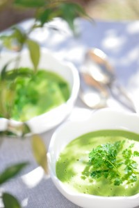 Crème de petits pois au lait de coco et aux épices - Le Vitaliseur - Green peas and coco cream with spices - Vanessa Romano photographe et styliste culinaire (2)