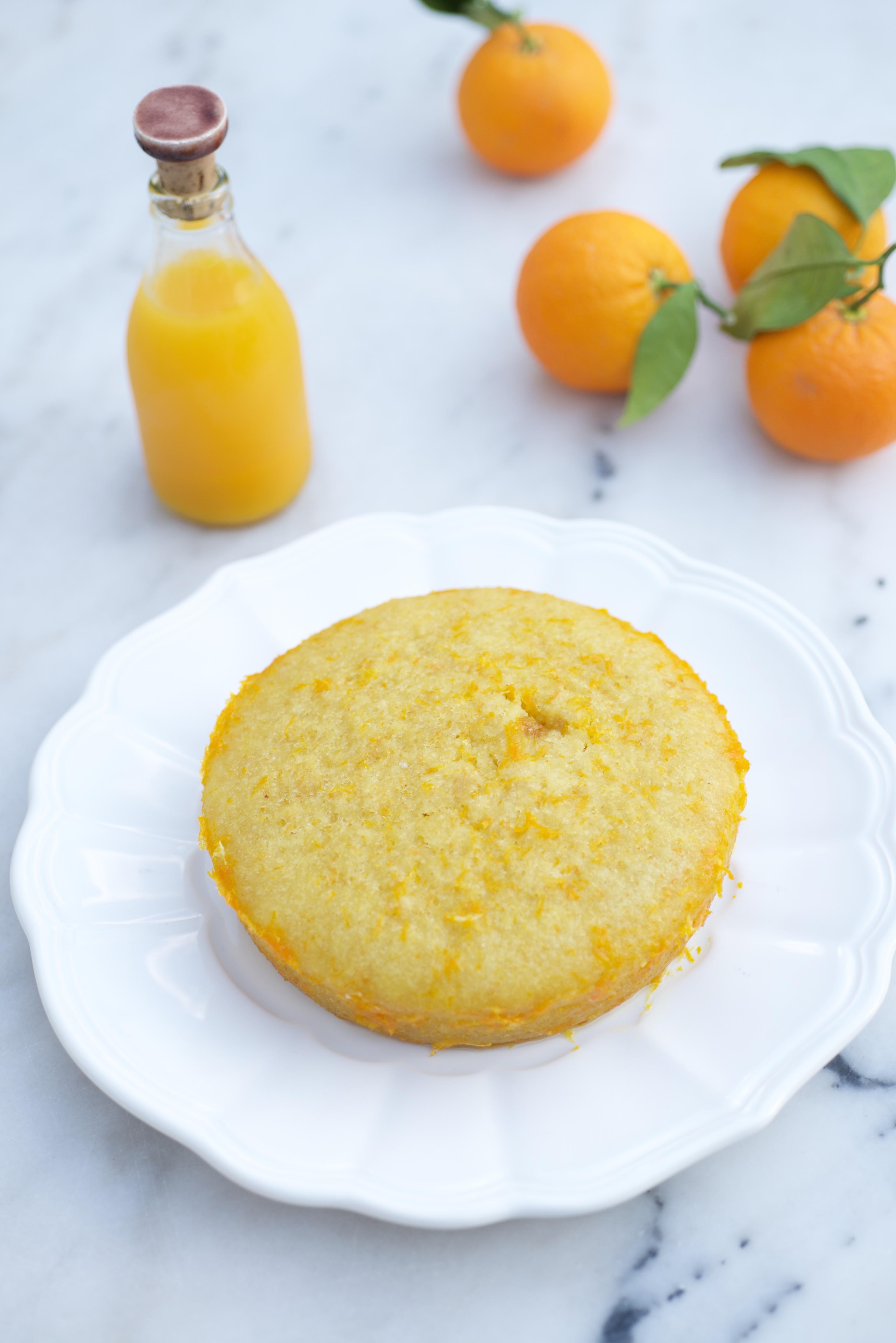 photographie culinaire d'un gâteau à l'orange
