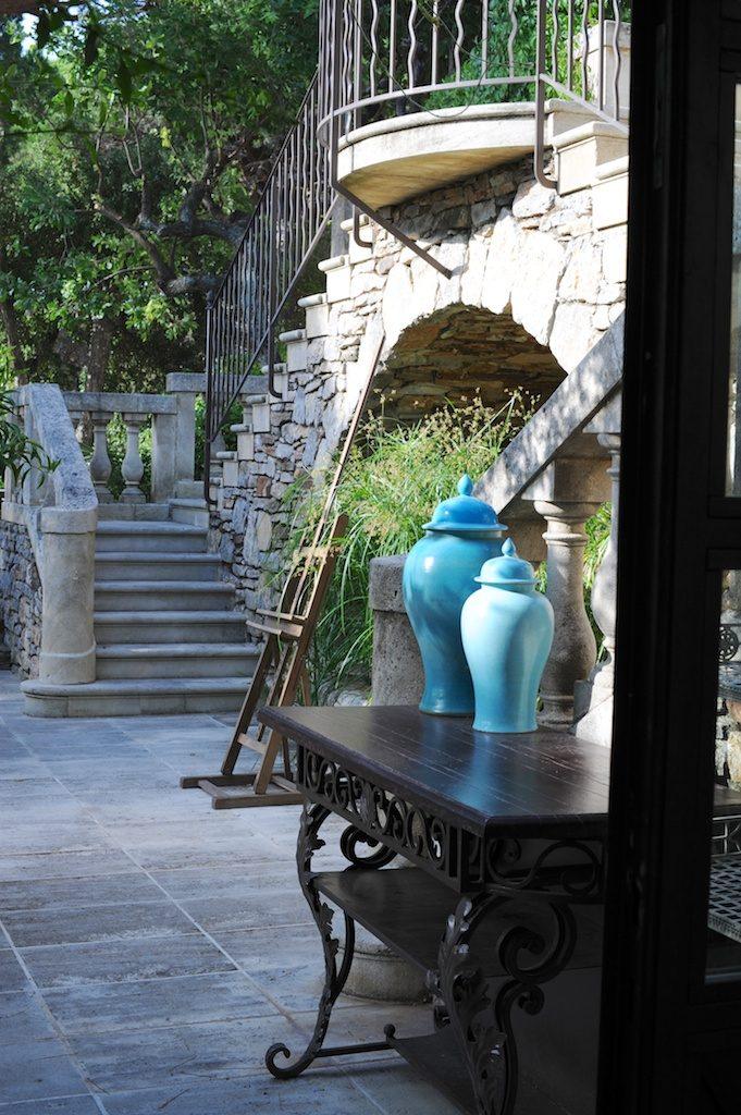 photo de la terrasse de la VIlla Marie - Saint Tropez - Vanessa Romano photographe