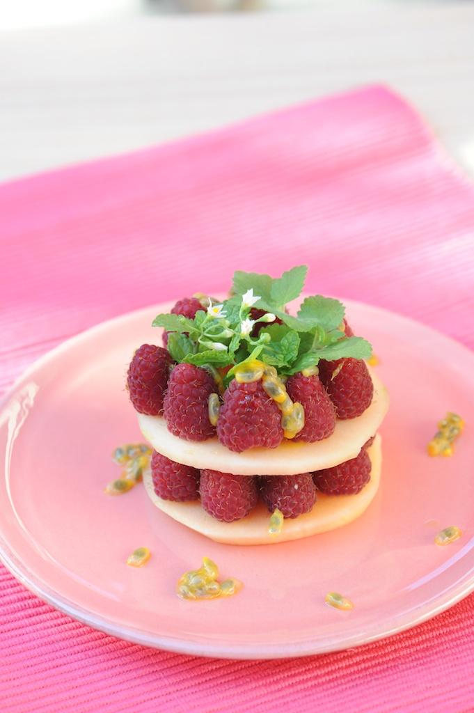 photo de Millefeuille de melon et framboise Vanessa Romano photographe et styliste culinaire