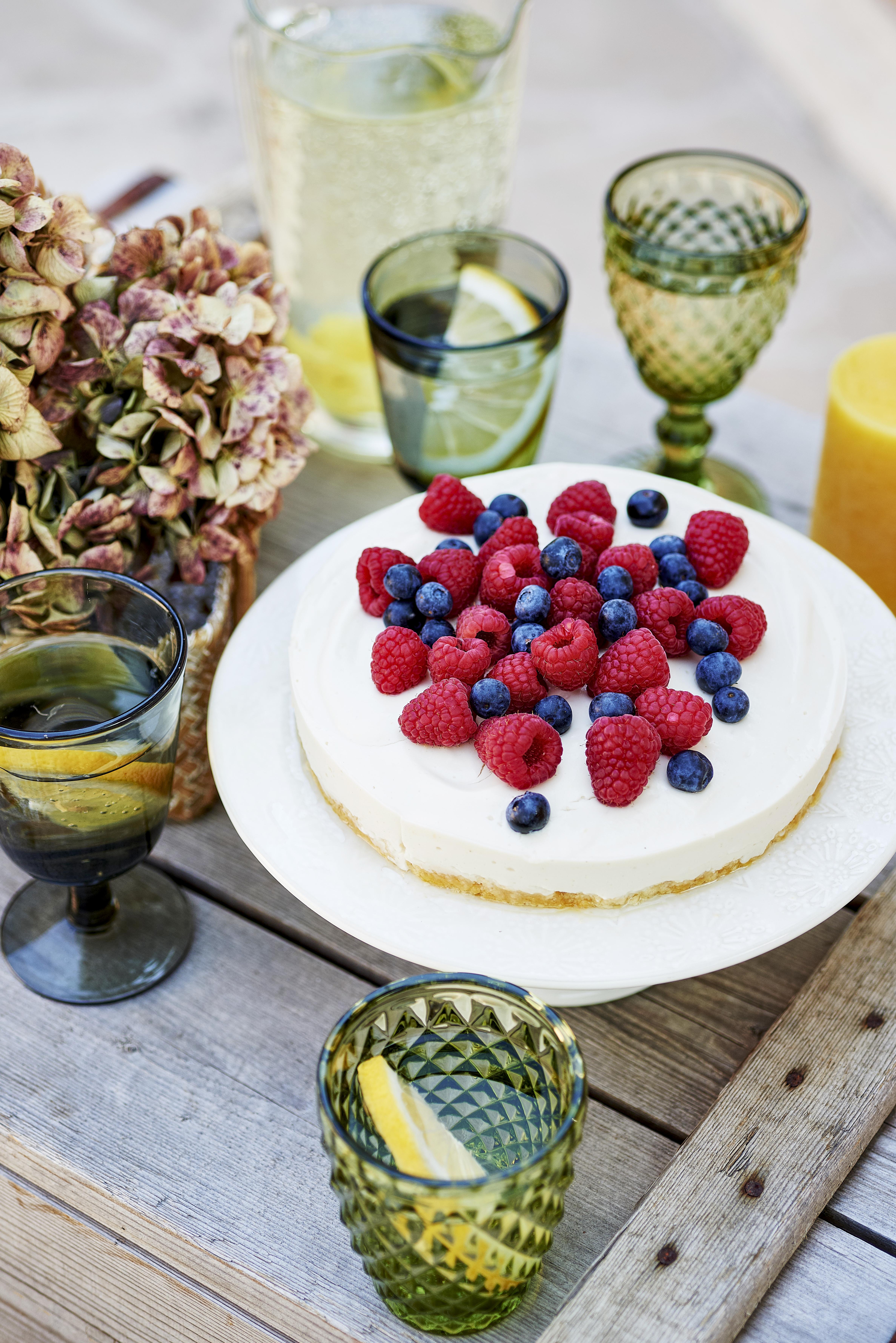 photo culinaire d'un cheesecake à la framboise