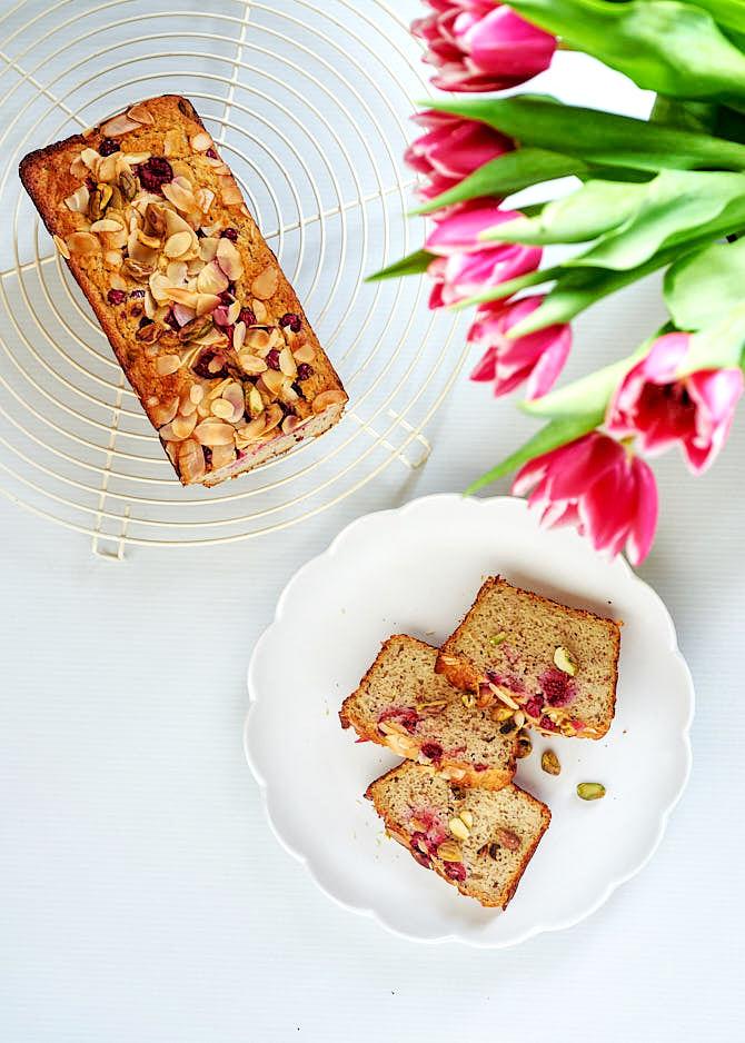 photo de cake pistache et framboises