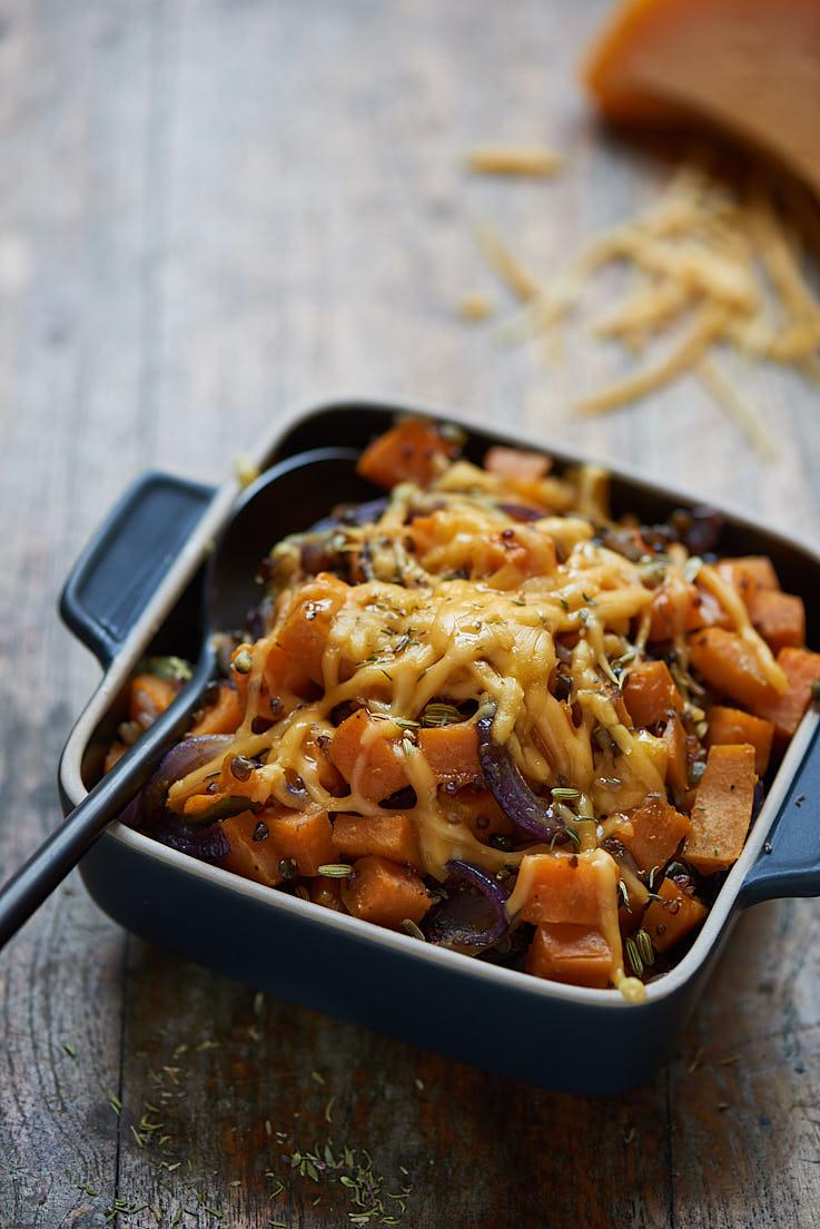 photo et stylisme culinaire d'un gratin de céréales et patates douces