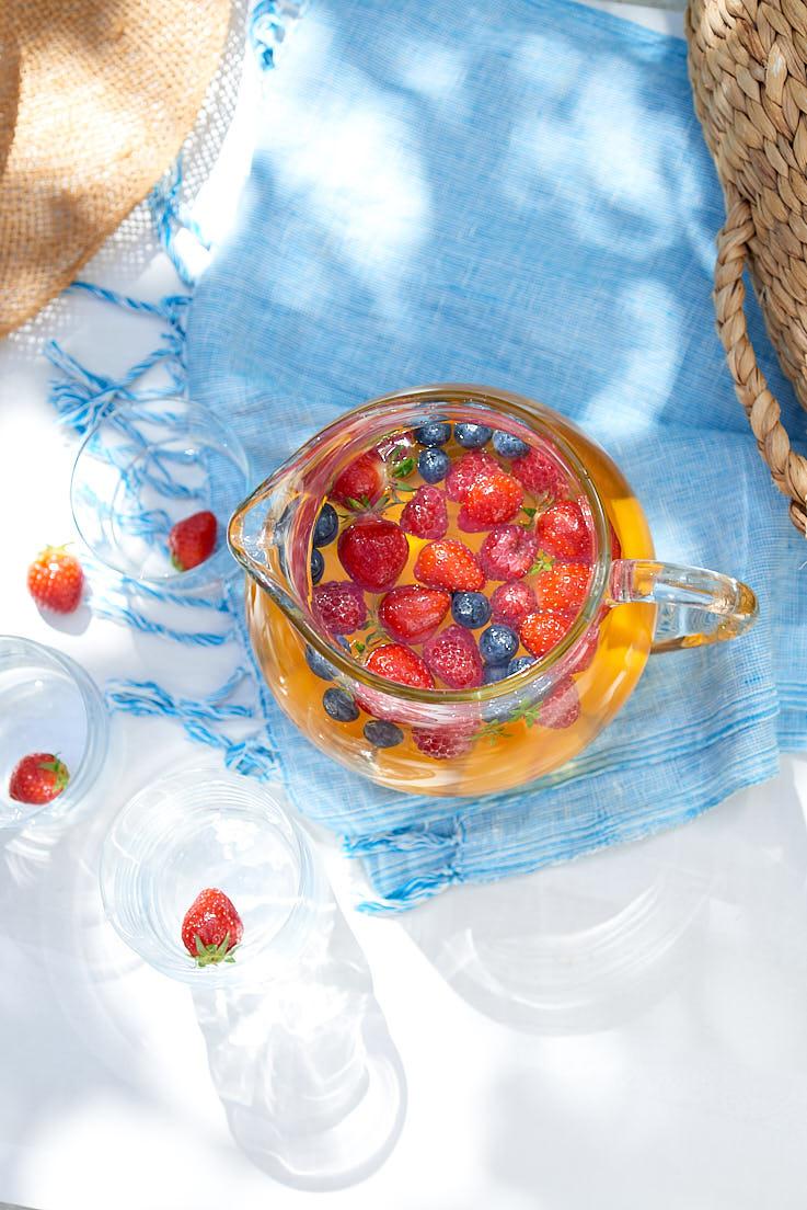 recette photo et stylisme culinaire d'une sangria sans alcool