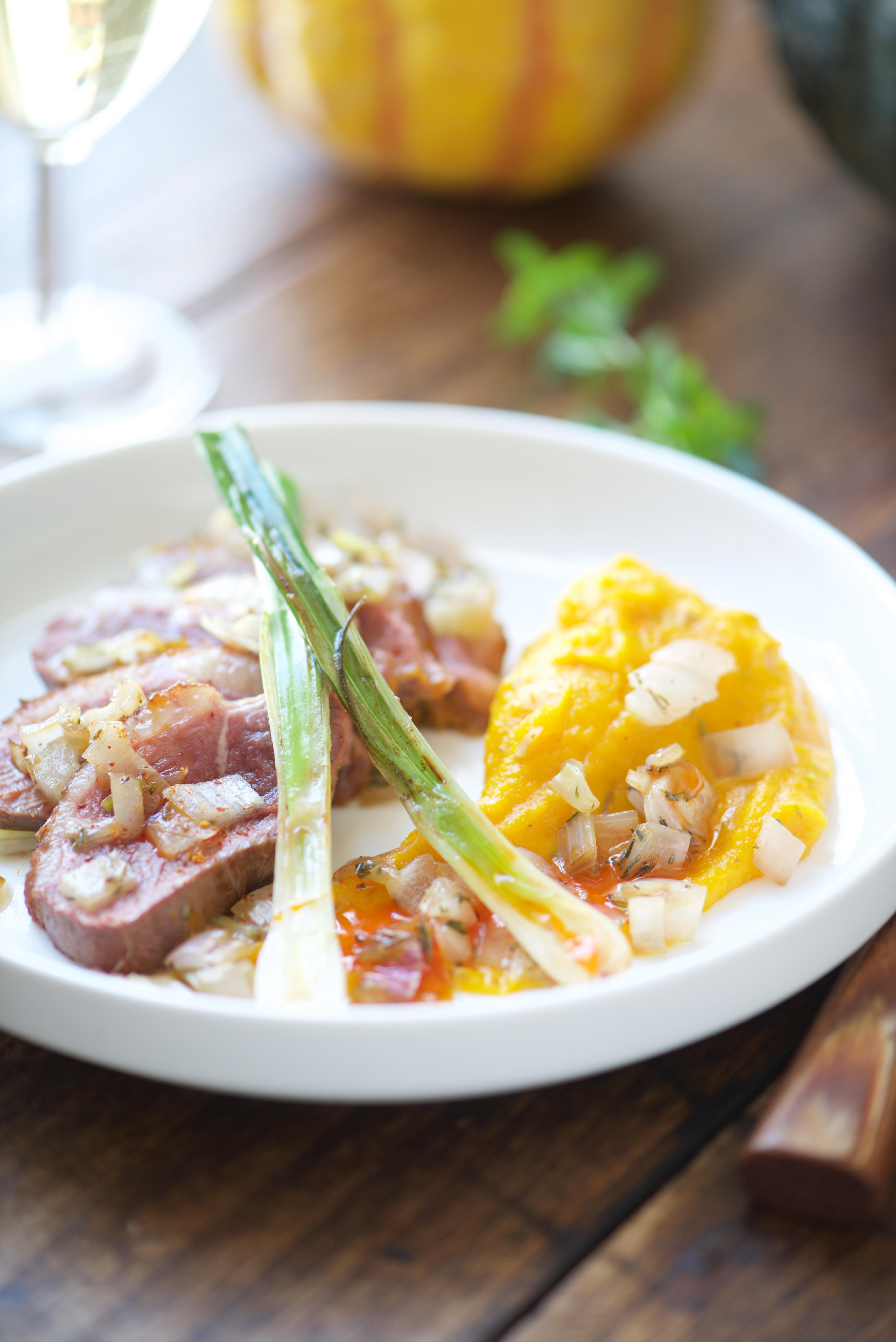 photographie culinaire de magret de canard rôti