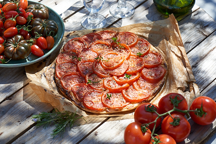 photo culinaire de tarte à la tomate pour les Jardins Arômes et Saveurs